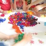 tvorive ruce deti a dobrovolnice